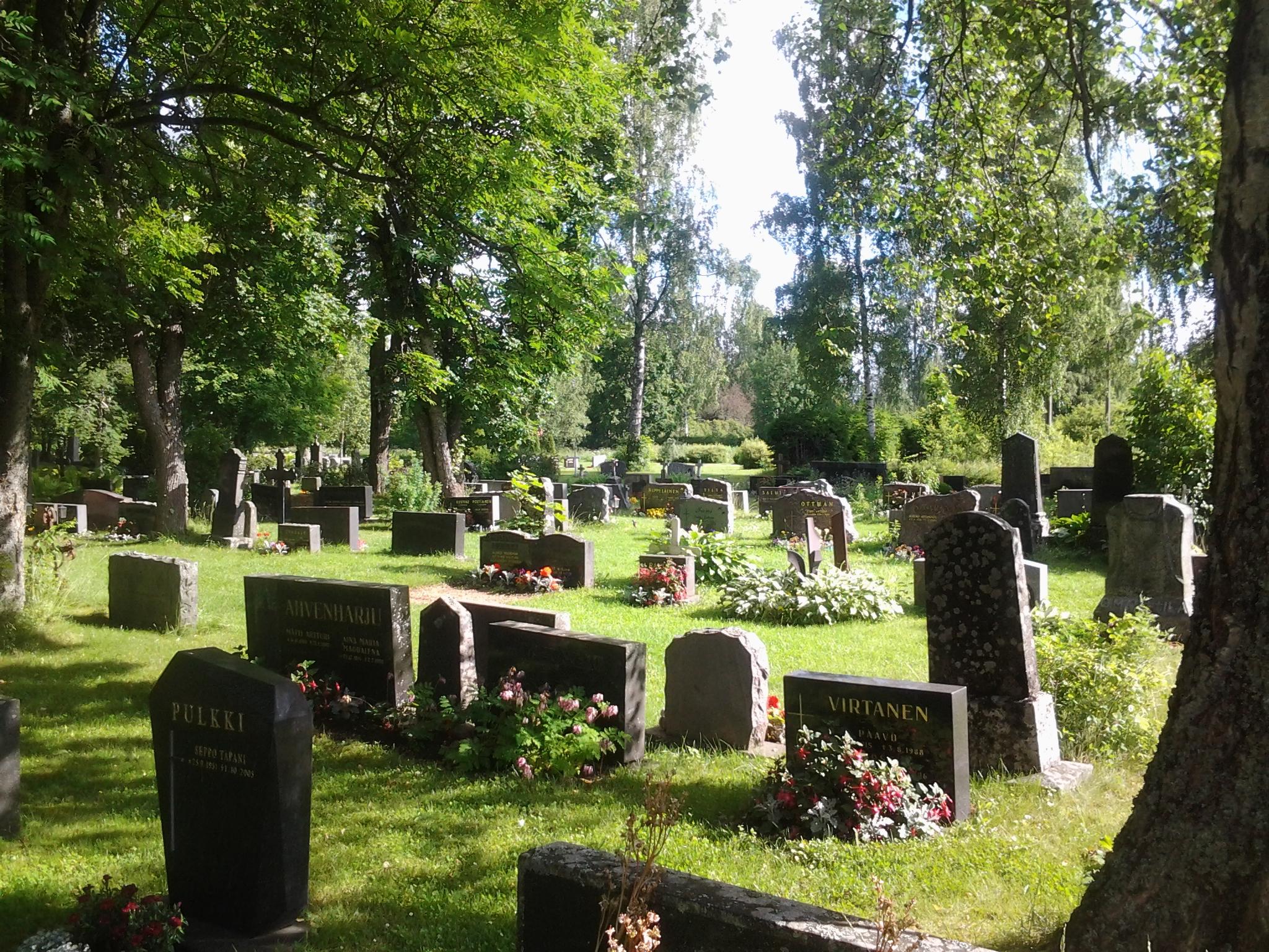 Luopioisten hautausmaa